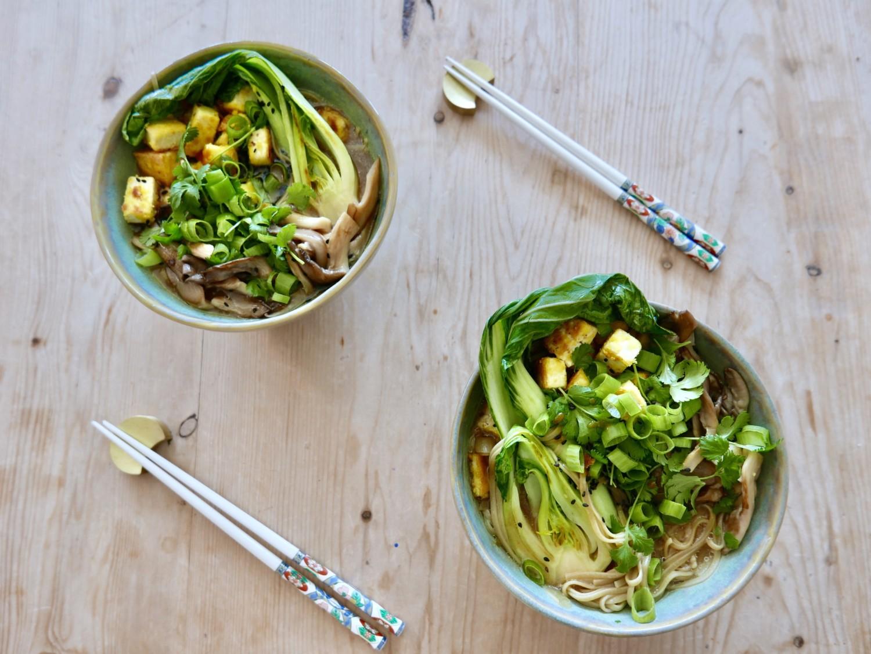 vegansk-ramen-plantebasert-pak-choi-tofu-sopp-umami