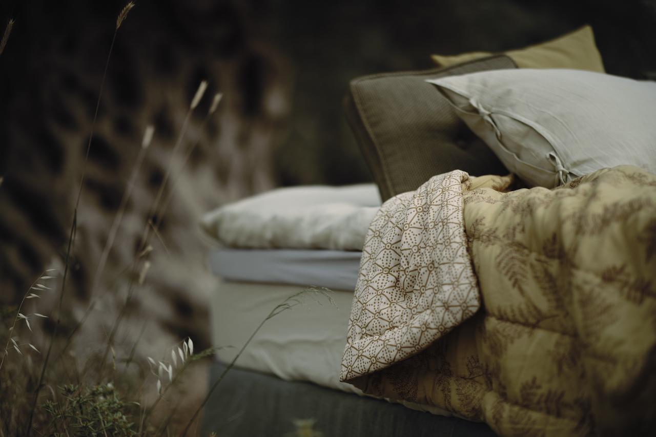 alycone-bedspread-sengeteppe-coco-mat